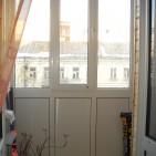 osteklenie_balkona_ot_pola_do_potolka